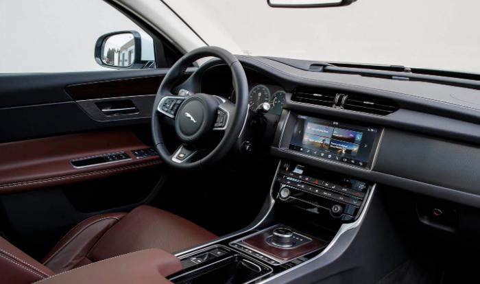 2020 Jaguar XF Premium Interior